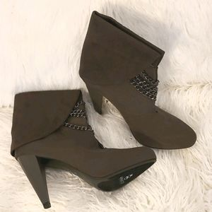 NEW Abaete Chain Ankle Boots Booties Suede Gray
